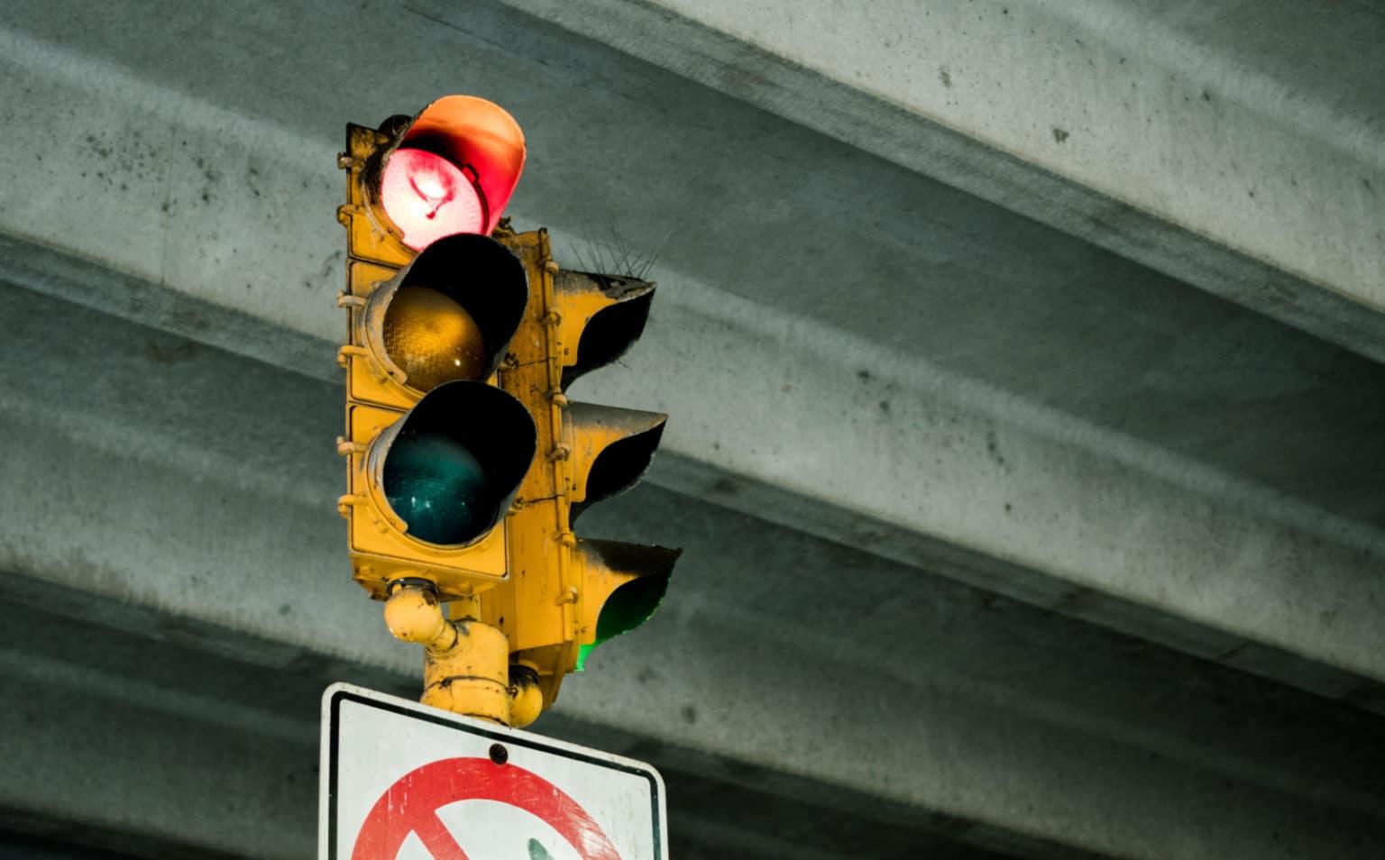 Ordnungswidrigkeitenrecht/ Rotlichtverstoß nach Spurwechsel